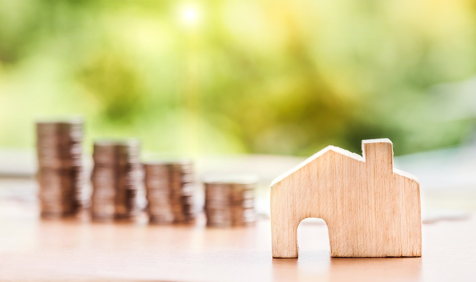 What does the Family Court look at when determining a property settlement?