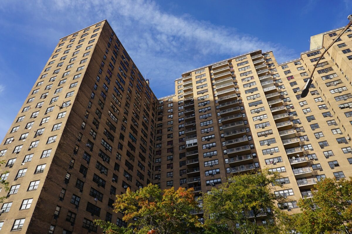 When a residential building falls down – who is responsible?